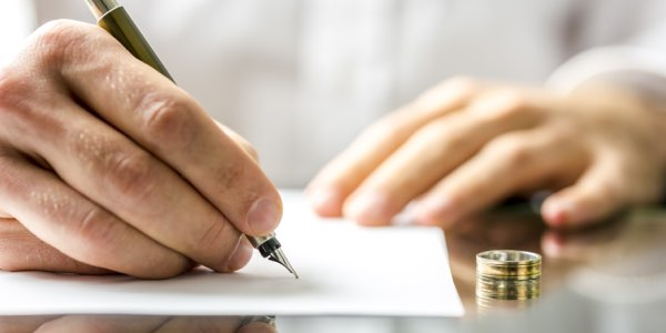 signing-divorce-papers-0ff9069d (1)